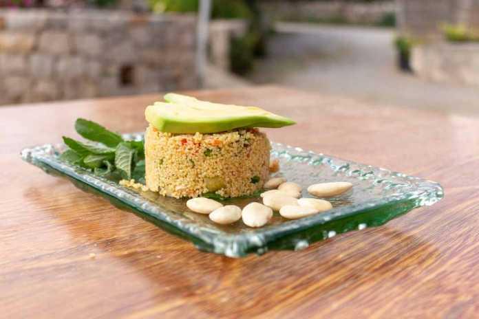 El tabulé es uno de los platos de verduras con cuscús más importantes de la cocina árabe. g. Felip