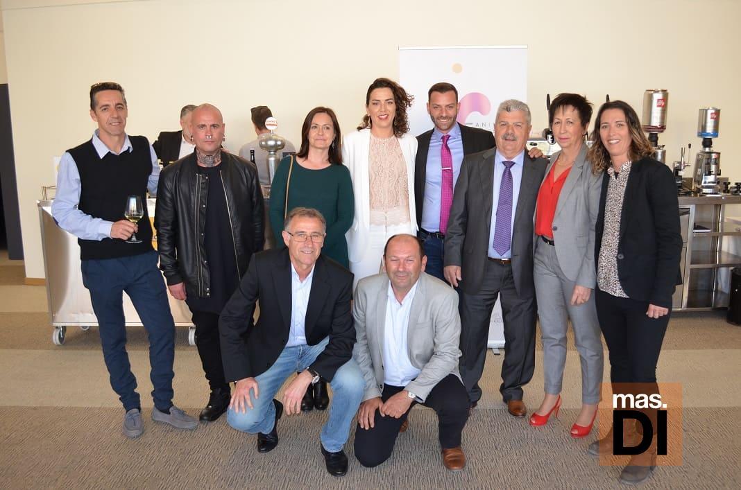 Equipo de Distribuciones Guasch: Javi, Cristian, Àngels, Rafa, Katina, Vicente, Toni Calvo, Toni Guasch, Cati y Rebeca.