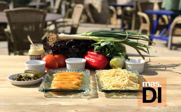 Ensalada templada de espaguetis con pollo 'pagès' | másDI - Magazine