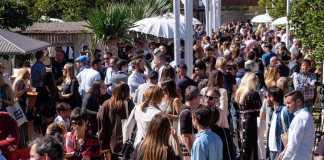 Un gran número de personas acudieron a la cita con la gastronomía ayer en Atzaró. Fotos: Sergio G.Cañizares