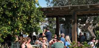 Imágenes de la inauguración del restaurante, el pasado domingo. Sergio G. Cañizares