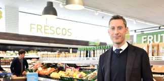 Alexandre Pagès, ayer en el interior del supermercado ALDI de Ibiza.