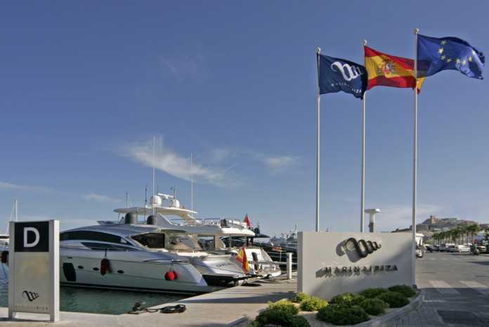 Entrada a Marina Ibiza