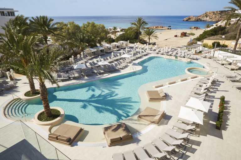 Insotel selecciona personal para los hoteles de Cala Tarida y el Fenicia