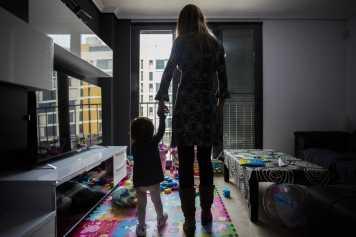 La prestación por maternidad y paternidad esta exenta de tributación.