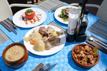 Comida casera a buen precio en Ibiza y ambiente familiar
