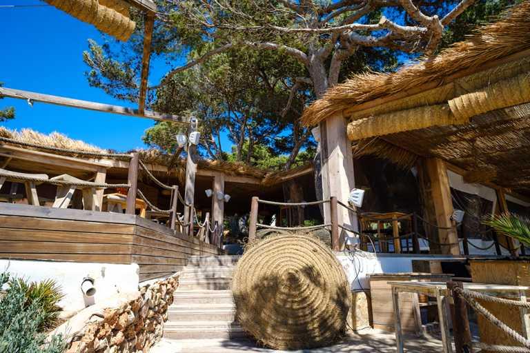 Beso Beach, cocina vasco mediterránea a la orilla de ses Salines