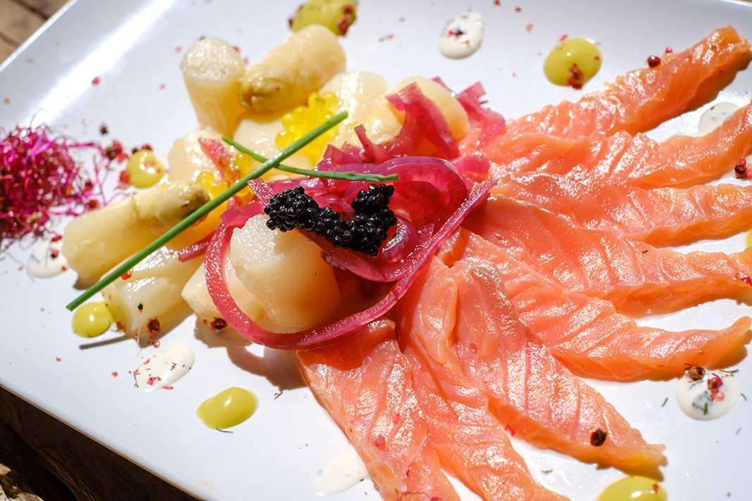 Los pescados frescos continúan siendo una de las estrellas de la carta, junto a los arroces y al clásico txuletón. Sergio G. Cañizares