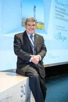 El doctor ha participado en la reunión organizada en Ibiza.