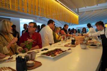 Los invitados degustaron sushi y delicias japonesas en el restaurante Kokoy del Sky Bar.