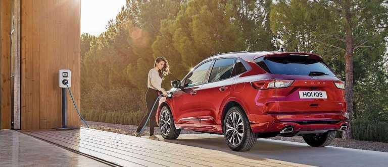 Motor Ibiza presenta un vehículo térmico, híbrido y eléctrico