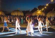 Una de las actuaciones de la fiesta de apertura.