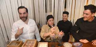 Mario Sandoval, chef de dos estrellas Michelín, prepara un plato con el equipo del chef Óscar Molina. Fotos; Gabi Vázquez
