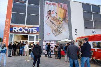 Fiesta de apertura de Roots.