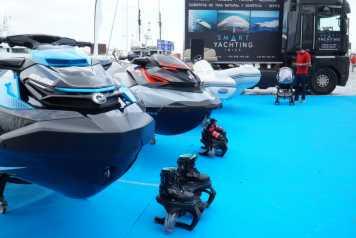 Fantásticas motos de agua en la exposición.
