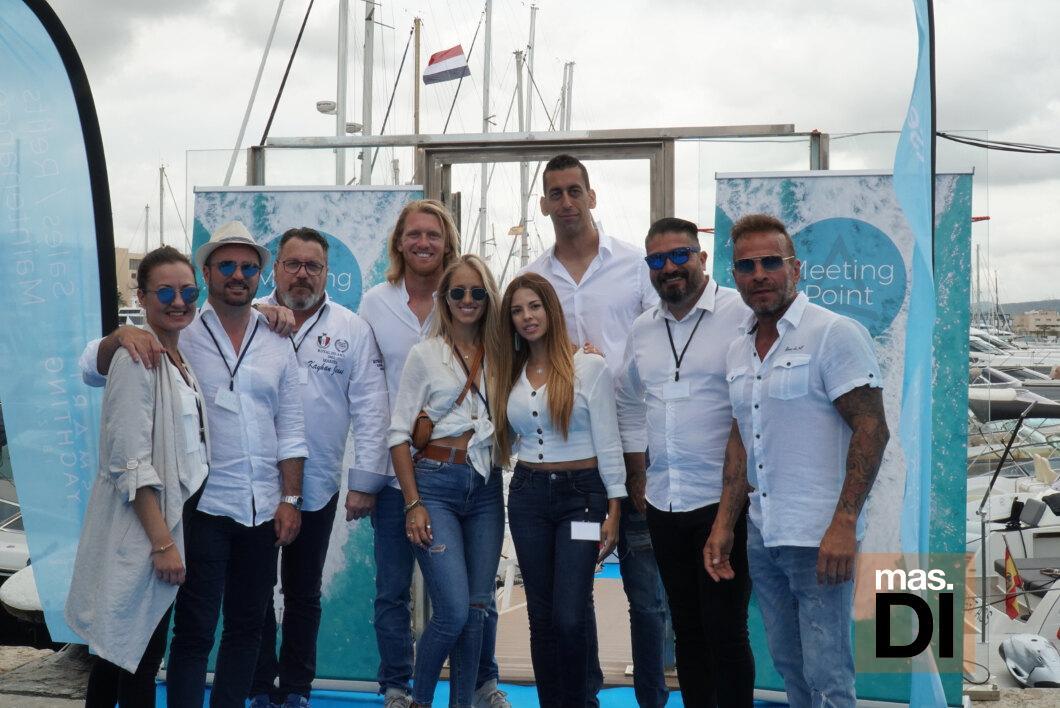El equipo de Smart Charter Ibiza en la muestra celebrada en Ibiza Magna.