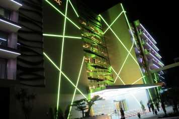 Espectacular fachada del hotel.