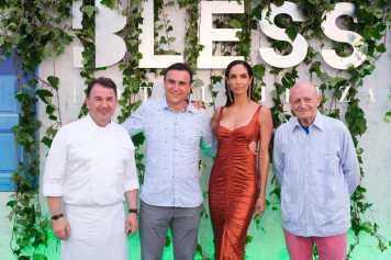 El chef Martín Berasategui, Abel Matutes Prats, la modelo Eugenia Silva y Abel Matutes Juan, abrieron el 'photocall' de la fiesta.