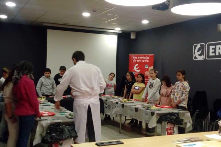 La escuela de cocina de Eroski se supera curso tras curso
