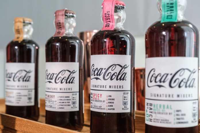 Las nuevas cuatro variedades de refresco para mezclar con destilados oscuros.