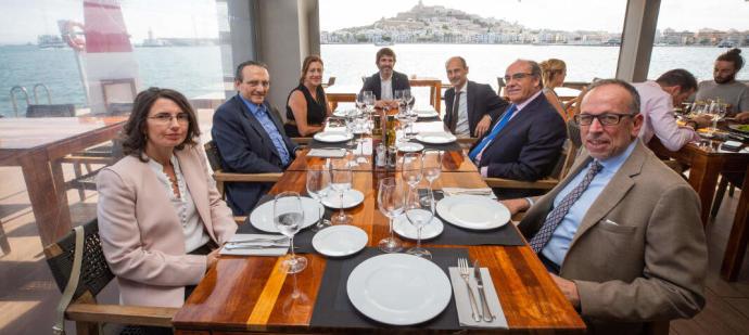 Cocina local de alta calidad con las mejores vistas a Ibiza