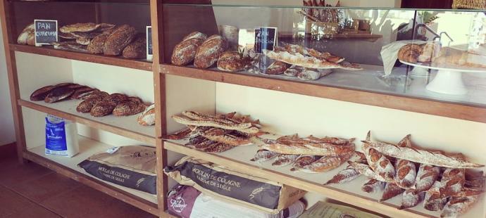 Comer pan, con mucho arte, es posible en Sant Jordi