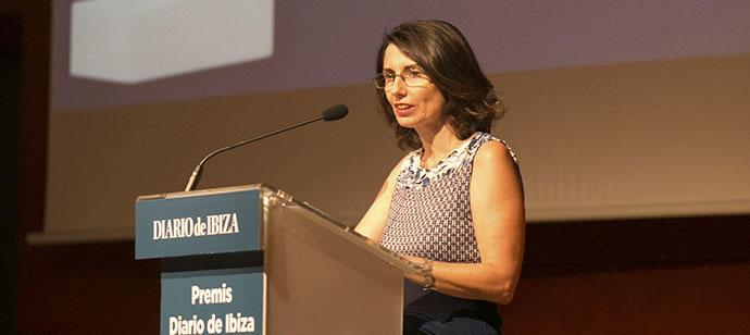 Cristina Martín Vega: «Rendimos homenaje a las personas que sostienen la trama formidable de la vida»
