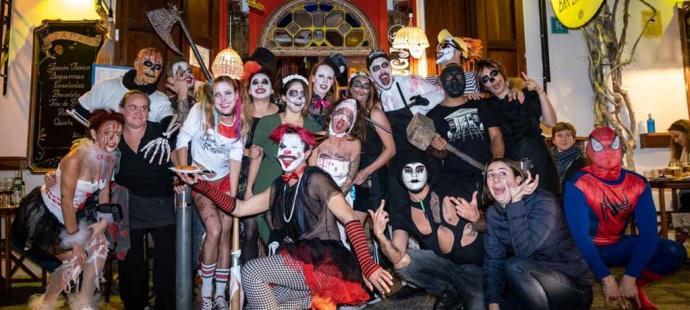 Divertida noche del terror en Ibiza