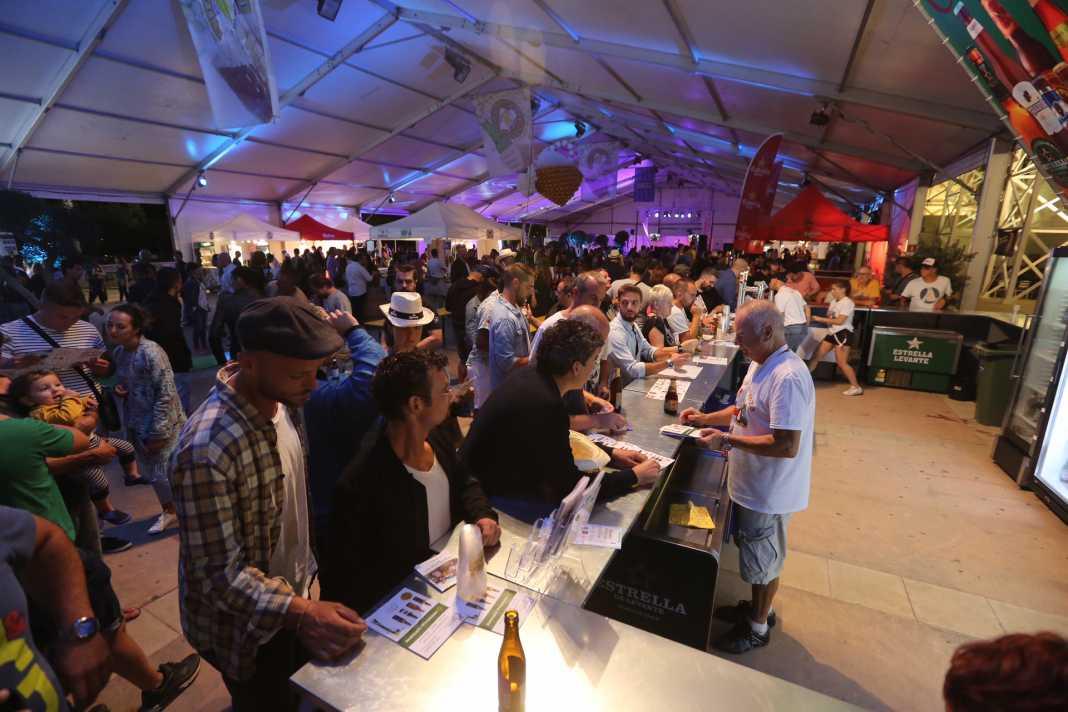 El Recinto Ferial acoge el evento cervecero hasta el domingo. Fotos:  Vicent Marí