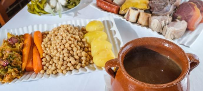 Recta final para disfrutar del cocido más tradicional con tres vuelcos en El Cigarral