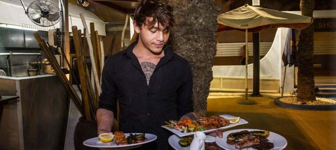 Sissi's asador: el mejor lugar para despedir la temporada entre amigos en Ibiza