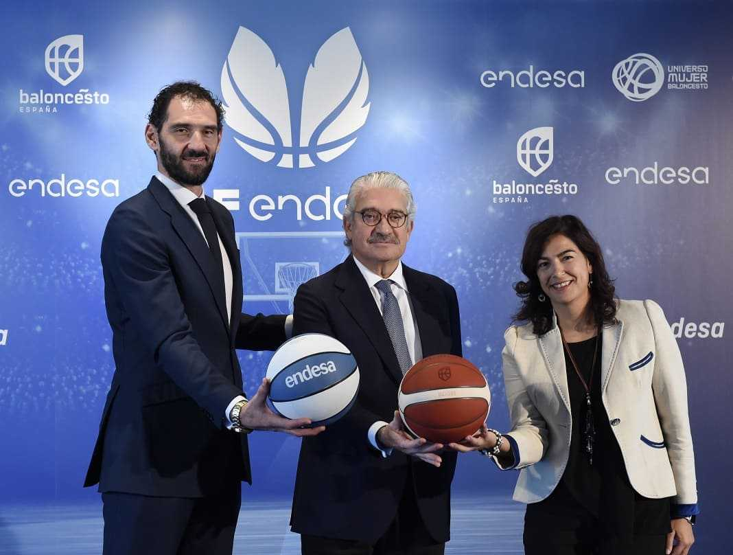 Jorge Garbajosa, presidente de la FEB; José Bogas, consejero delegado de Endesa, y María José Rienda, presidenta del Consejo Superior de Deportes.