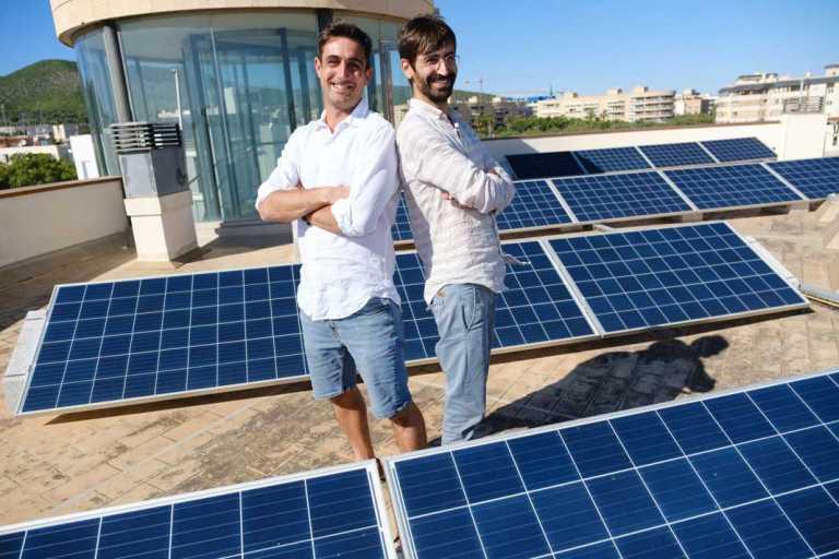 Juan Tur y Aitor López Viñas «La energía solar puede  reducir la factura de la luz a la mitad»