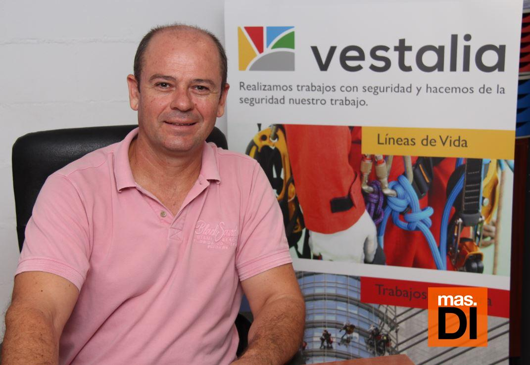 Vestalia elimina el amianto sin riesgo en Ibiza