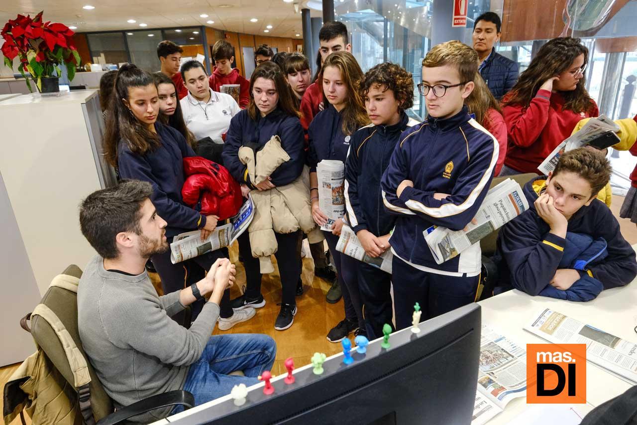 Visita de alumnos de Sa Real a Diario de Ibiza. SERGIO G. CAÑIZARES