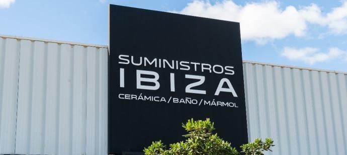 Suministros Ibiza mantiene sus plantas de hormigón y almacenes de construcción