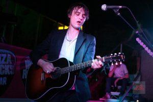 Pete Doherty, durante el concierto de apertura del Ibiza Rocks 2010.