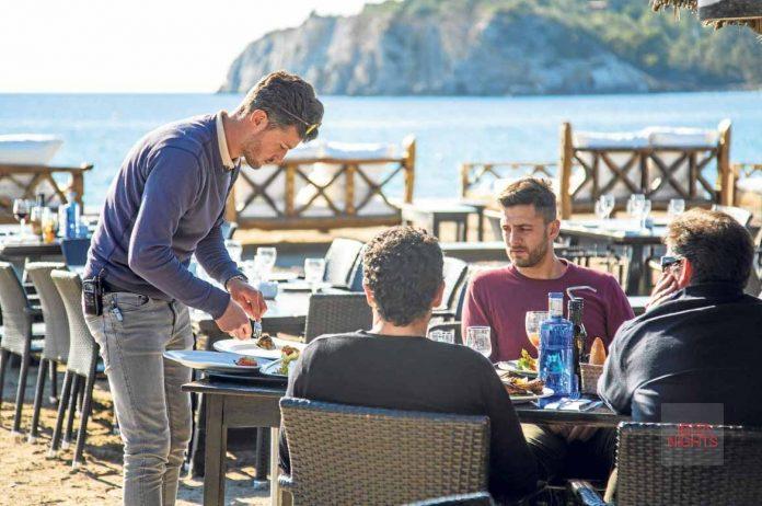 Degustar la cocina mediterránea a pie de mar. D.I.