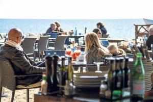 Cocina mediterránea 365 días al año a orillas del mar.