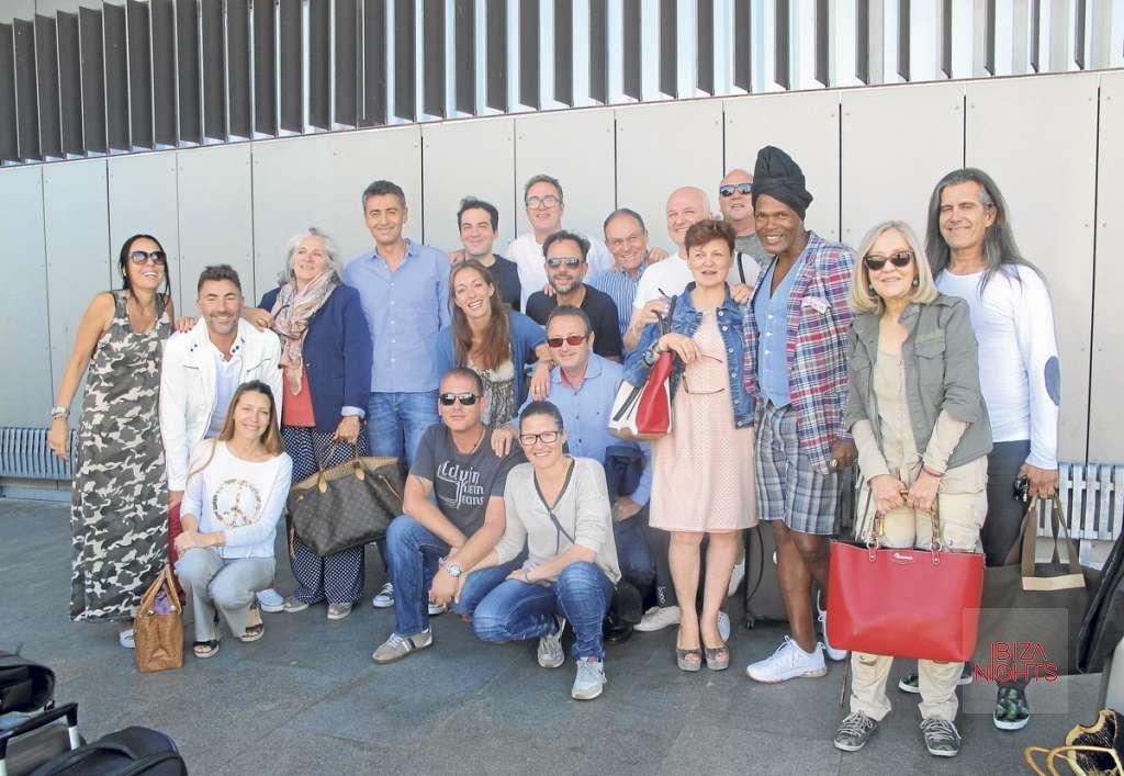 Homenaje a Ricardo Urgell. La expedición de Pacha Ibiza que acudió al evento cinematográfico de Madrid.