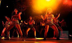 Bailes bollywoodienses de las alumnas del centro de danza.