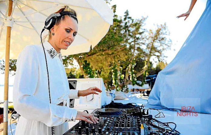 La dj Sarah Main, colaboradora de la marca.