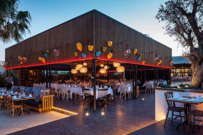 Aspecto que presenta la zona de El Circo, uno de los espacios más agradables que hay en el restaurante