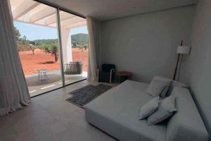Decoración minimalista en las habitaciones.