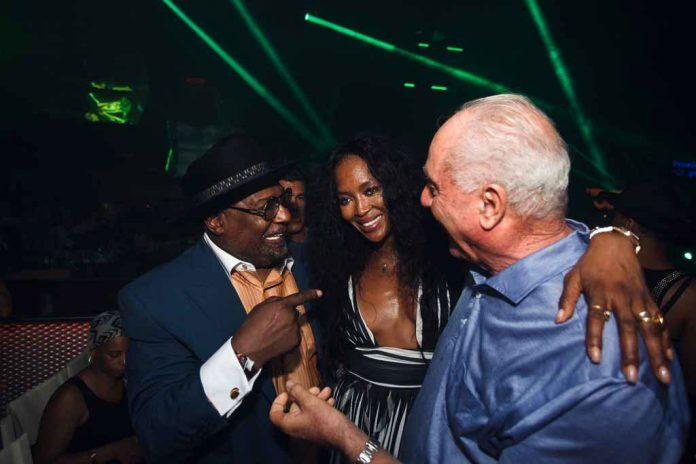 George Clinton, Naomi Campbell y Pepe Roselló en el 53 aniversario de Carl Cox, el martes en la discoteca Space.