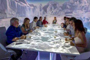 La mesa del Sublimotion con los comensales para la final de 'Masterchef'.