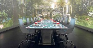 Sublimotion ofrece una experiencia sensorial única de gastronomía y espectáculo virtual con un menú de 1.500 euros