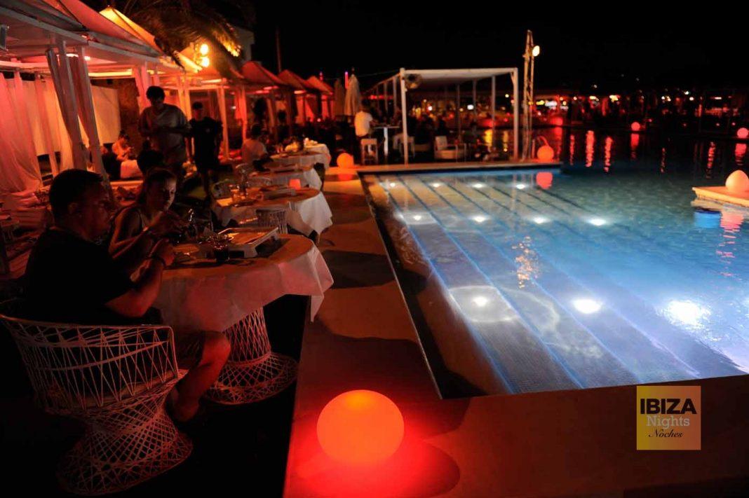 La espectacular piscina de Jacaranda.