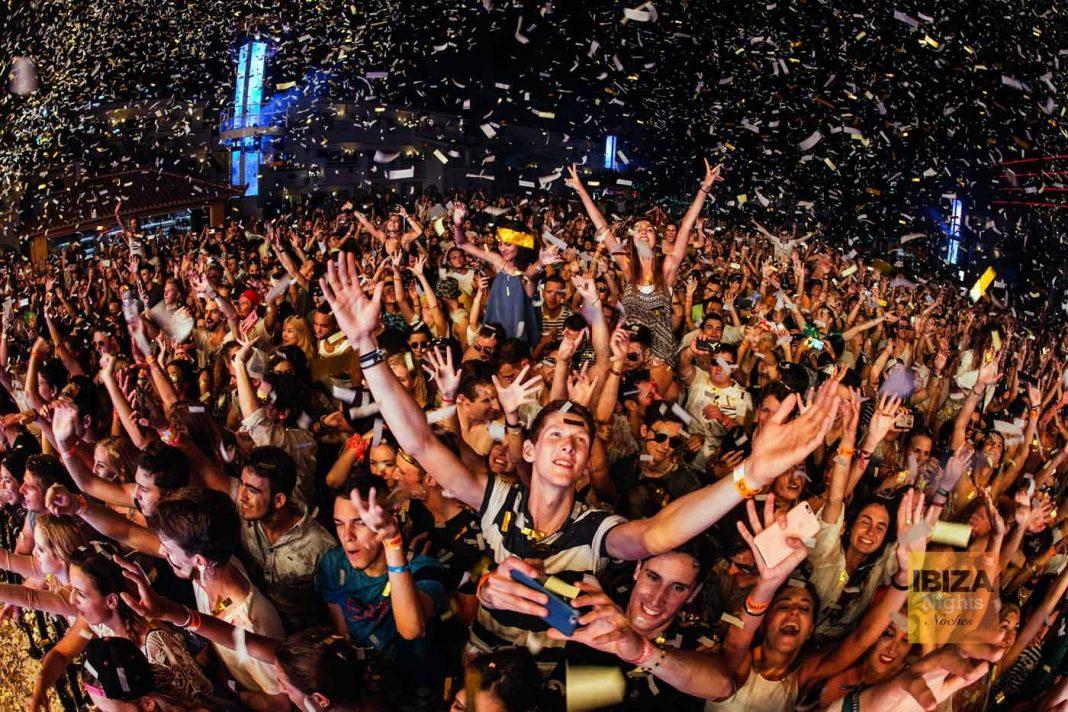 Miles de clubbers de todo el mundo acudirán un año más a participar en las grandes fiestas de final de temporada de los clubs ibicencos