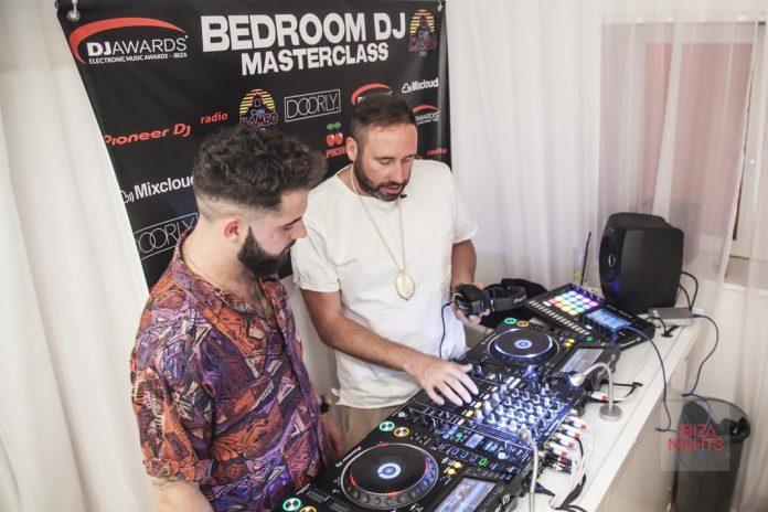 DJ Awards Bedroom DJ Competition Doorly enseño muchos trucos a Moritz Mellow el año pasado.